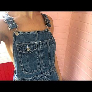 Vintage Gap denim overall shorts!